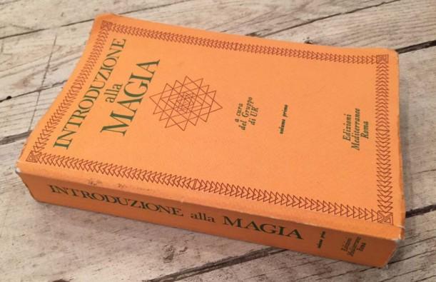 introduzione-alla-magia-volume-primo-gruppo-di-urr-800x518